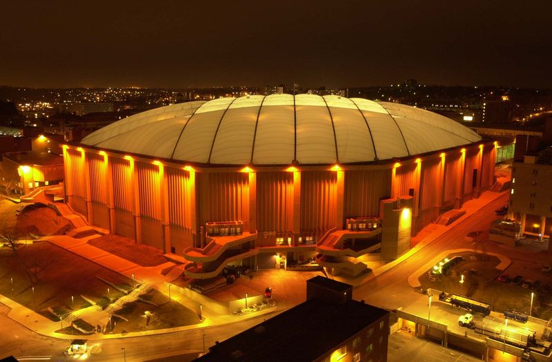 Carrier-dome-at-night